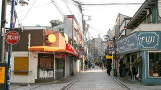横須賀 どぶ板通り商店街日米の雰囲気が融合した面白スポット