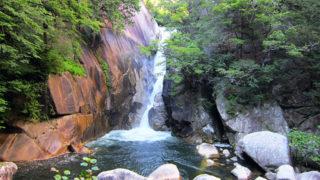 仙娥滝四季折々の美しさがある昇仙峡のシンボル