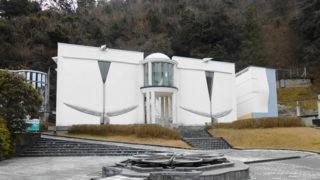 伊豆の長八美術館漆喰芸術の粋を集めた建物で名工の作品を楽しむ
