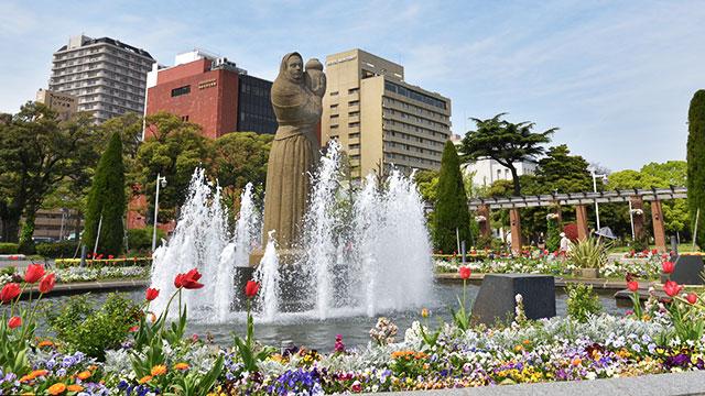 水の守護神像(山下公園)