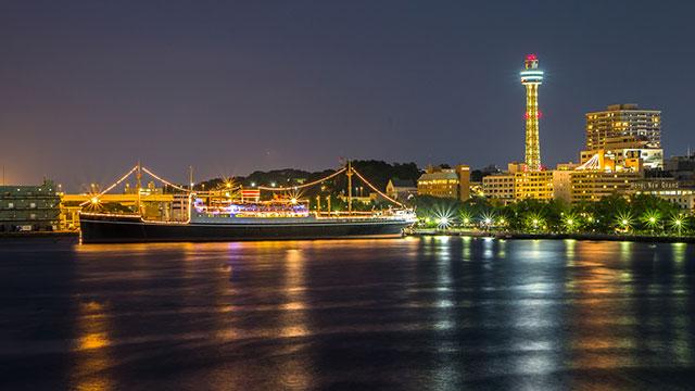 大桟橋から望む山下公園の夜景(山下公園)