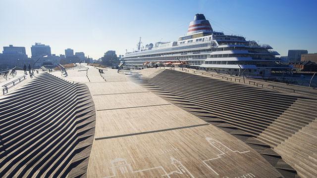 横浜港大桟橋国際客船ターミナル(山下公園)