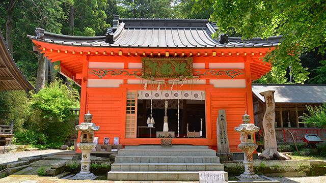 拝殿(伊那下神社)