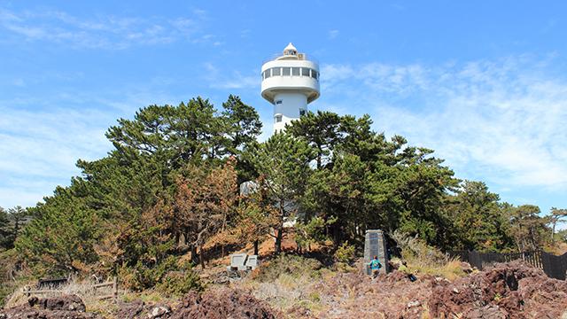 門脇灯台(城ヶ崎海岸)