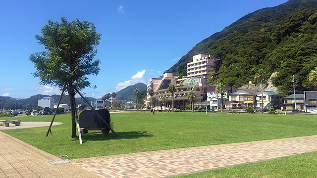 芝生広場(まどが浜海遊公園)