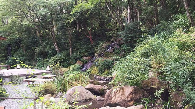 庭園(岡田美術館)