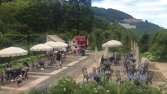 オープンカフェ(アカオ ハーブ&ローズガーデン)