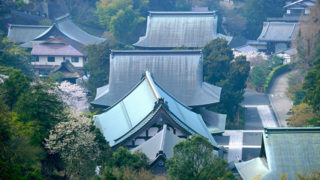 北鎌倉観光季節ごとに表情を変える歴史的スポット