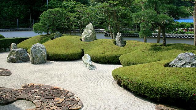 三尊五祖の石庭(光明寺)