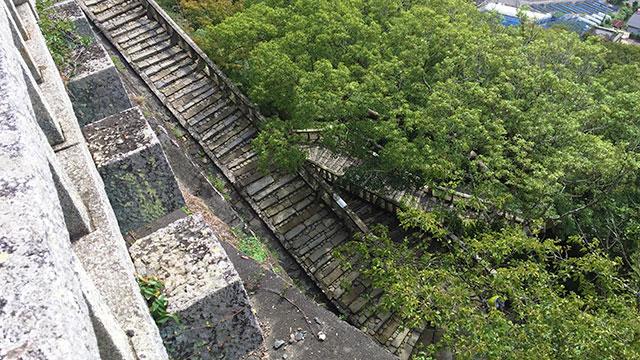 石鳥居から1,159段ある表参道の階段(久能山東照宮)