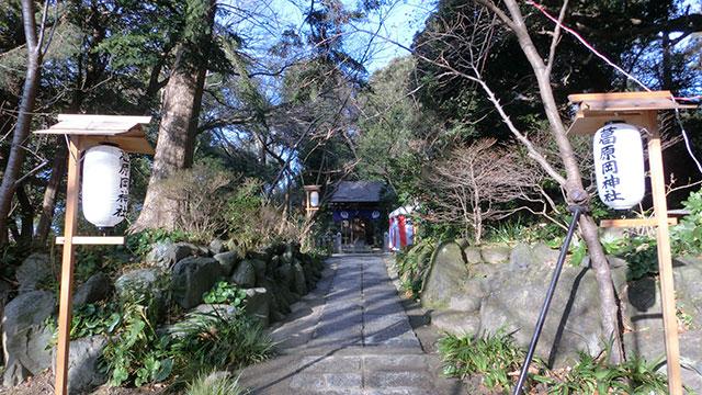 参道(葛原岡神社)