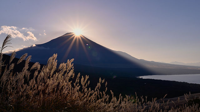 ダイヤモンド富士(山中湖パノラマ台)