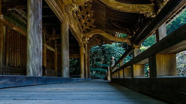 装飾が施された祖師堂(妙本寺)
