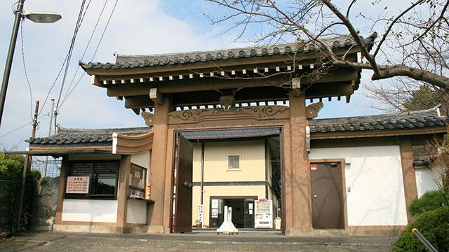 山門(大船観音寺)