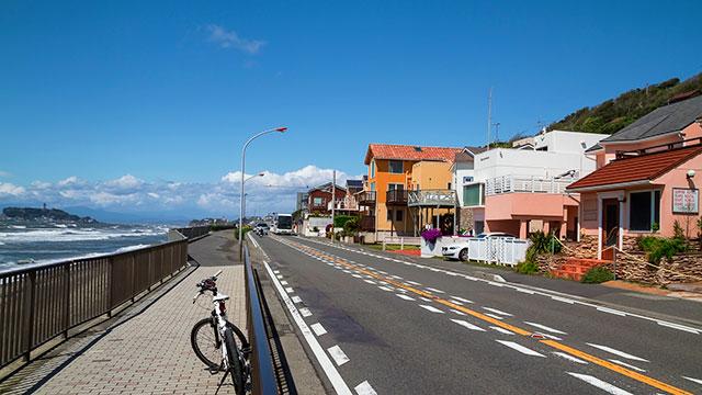 海岸通り(七里ヶ浜)