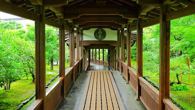 方丈へ向かう回廊(天龍寺)