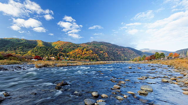 秋の嵐山(渡月橋)