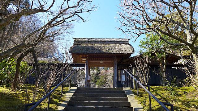 山門(東慶寺)