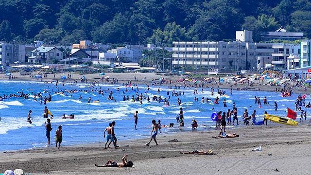 海水浴(材木座海岸)