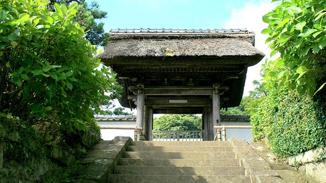 山門(長寿寺)