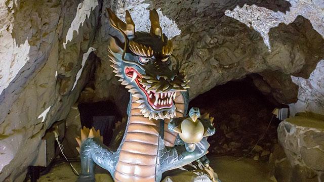 龍神(江の島 岩屋)