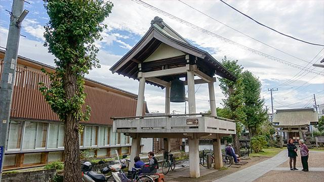 境内(三石神社)