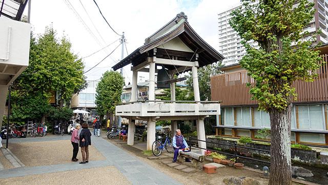 時の鐘(三石神社)