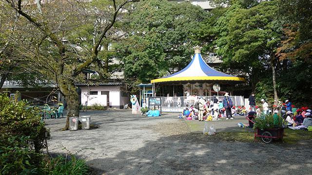 乗り物広場(楽寿園)