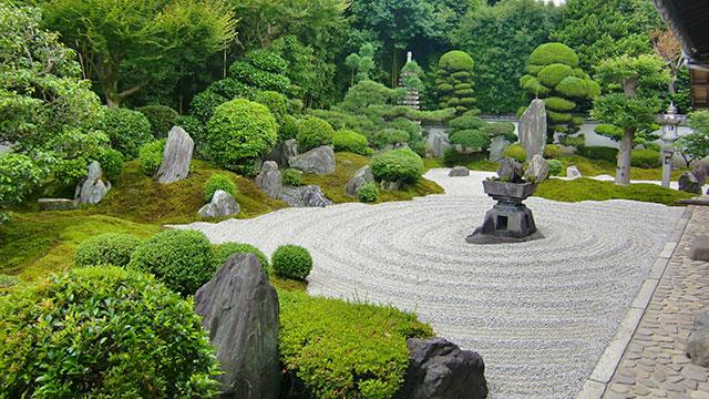 九山八海の庭(霊雲院)