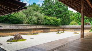 京都 龍安寺石庭の美しさで名高い世界遺産の寺院
