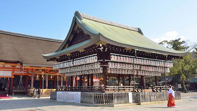舞殿(八坂神社)