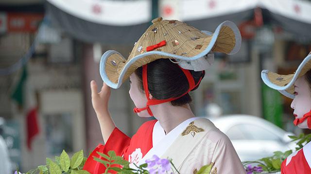 祇園祭の花笠巡行(八坂神社)