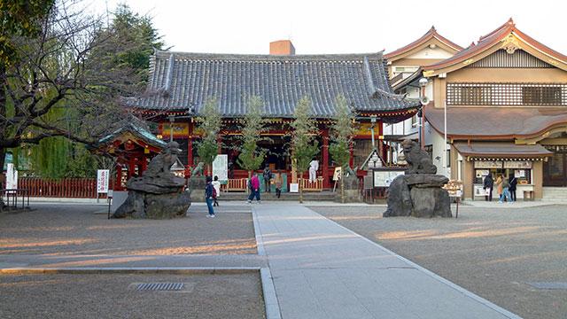 境内(浅草神社)