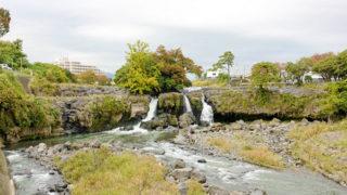 長泉町 鮎壺の滝富士山の噴火によってできた火山岩の滝