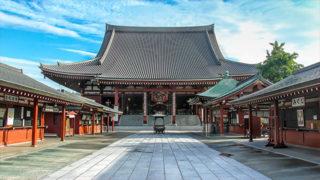浅草 観音堂美しい大天井画で知られる浅草寺の本堂