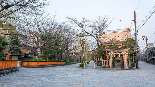 巽橋と辰巳神社(祇園)