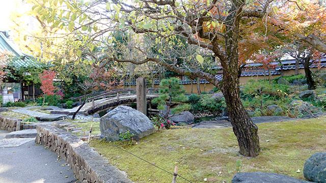 日本庭園(湯島天満宮)