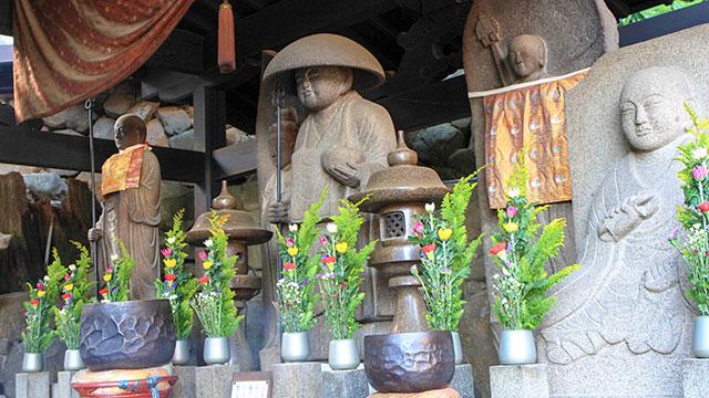 地蔵堂(宝山寺)
