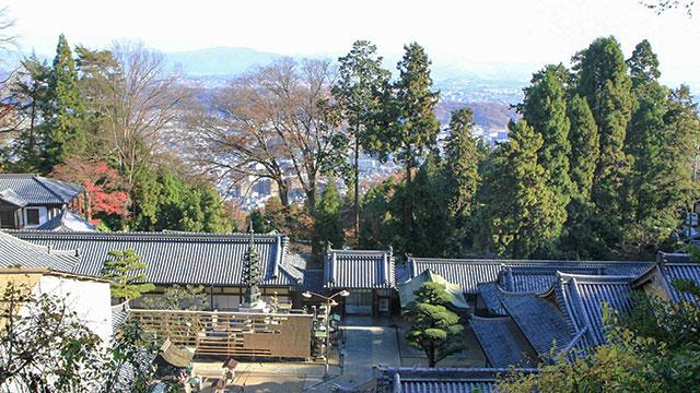 境内からの眺望(宝山寺)
