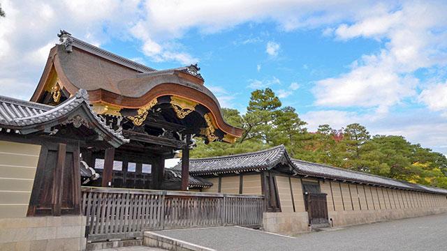 建春門(京都御所)